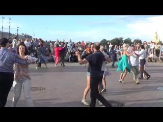 Ковбойский танец Бальные танцы. (05.08.2018 г.) на Стрелке В.О. вид. 916