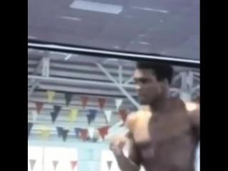 Лучший боксёр xx века: мохаммед али делает бой с тенью