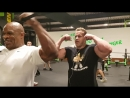 Ronnie Coleman and Jay Cutler killing arms in Germany FIBO 2018