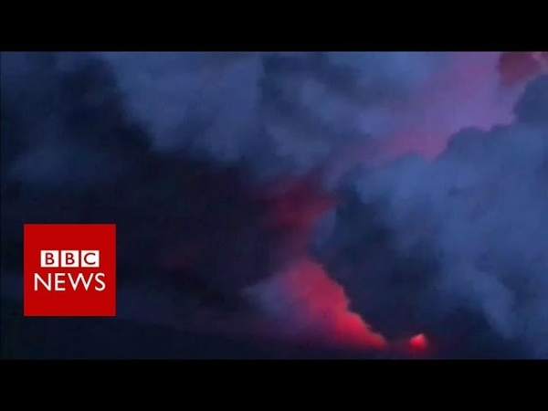 Kilauea volcano: The moment flying lava struck a tour boat in Hawaii - BBC News