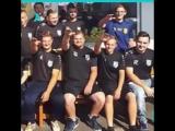Футболистов выгнали за нацистское приветствие | АКУЛА