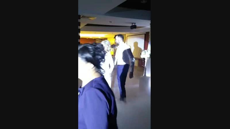 Танец жениха и невесты😻