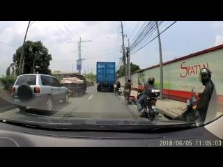 Вот почему так важно надевать шлем, когда едешь на мотоцикле