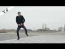 половина-моя-круто-танцует-парень.mp4