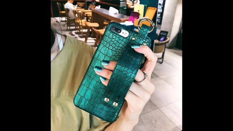 Vintage Crocodile Skin Wrist Blet Strap Kickstand Phone Case