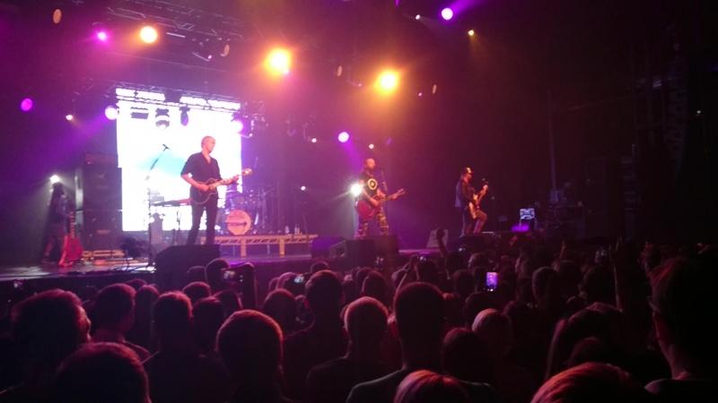 Кеды со звездами концерт 2018