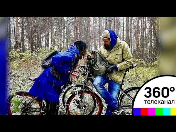А чего дома сидеть Москвичка с таксой отправилась в велопоход до Магадана