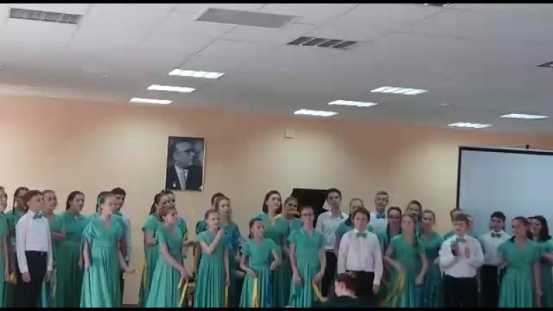 Старший хор «Мелодия» - Now is the month of maying (Т. Морли)