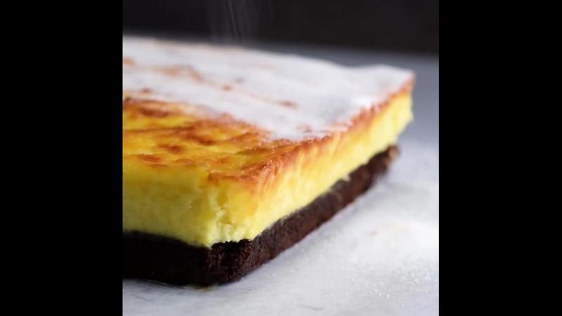 Brownie-lovers, brace yourselves! 😱🍫🍮 Creme brûlée brownie