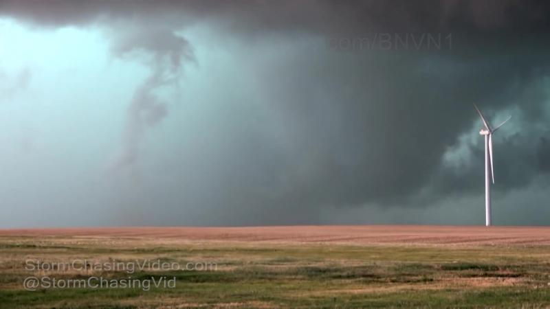 Insane extreme close range tornado video from Colorado 6 19 2018