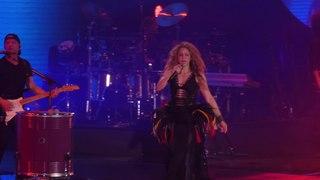 Shakira live @ Hamburg - EL DORADO World Tour - La La La, Waka Waka (This Time for Africa)