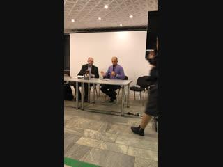 Борис Колоницкий презентует книги Arzamas «Революция 1917 года» и «Петербург накануне революции»