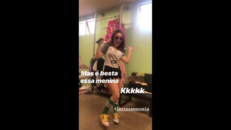 Larissa Manoela Shortinho