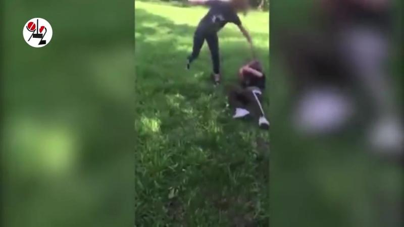 ТАУ - Юная садистка избивает сверстницу под видео
