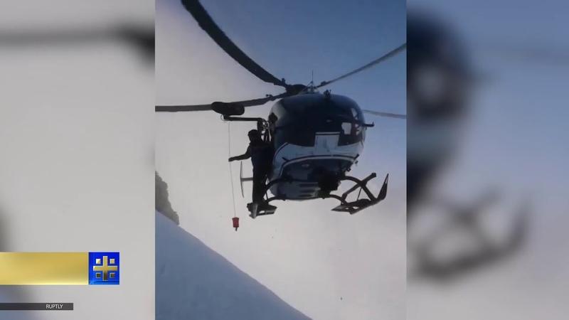 Пилот спасательного вертолета показал ювелирную точность во время операции в горах Франции