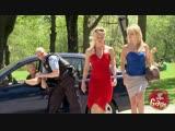 40 Police Honk At Sexy Girls Prank (HD Секси Клип Новые Фильмы Сериалы Кино arthdcinema.it Эротика Секс Девушки Юмор Прикол Розы