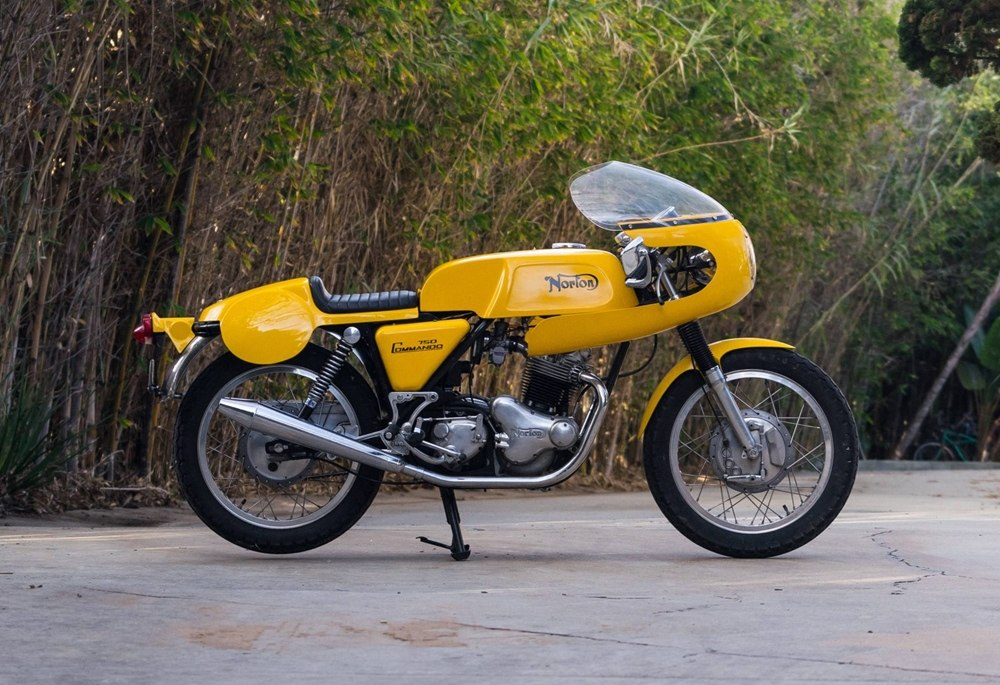 Гоночный Norton Commando Production Racer ака Yellow Peril