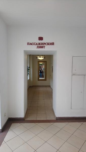 Прокатился на лифте. Отдельные комнаты для лифта — шикарно. Спасибо, Советский Союз  5 июня 2018