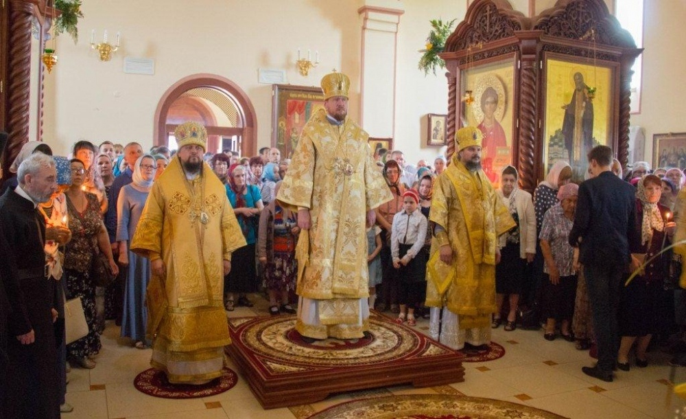 В день памяти апостолов Петра и Павла архиепископ Ефрем принял участие в торжествах в Петропавловском женском монастыре
