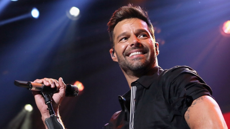 Ricky Martin - My performance of Mr.Put It Down at Logies Awards 2015 - Australia