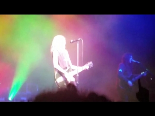 the pretty reckless - Take Me Down (Fabrique)