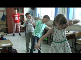 Игра в резиночки (муз. Нино Рота) - 1 класс