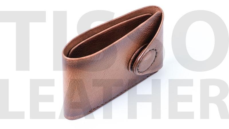 Кошелек с клапаном на магните. Leather handmade wallet