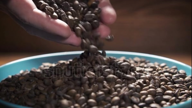 Бариста готовит Кофе по Абонементу
