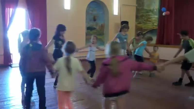Трещевская школа 2015 г На видео Вероника Понушкова ей примерно 9 лет