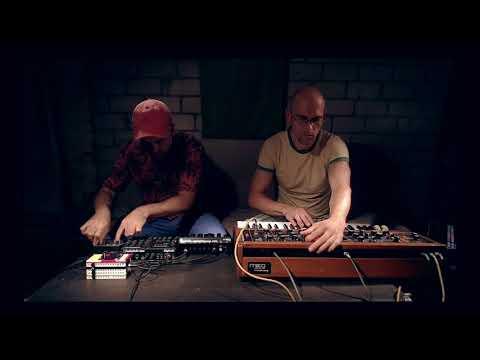 Skinnerbox - sofa tales 2 (minimoog, elektron, digitakt)