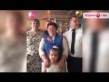 Дети подарили своей мамочке песню=)