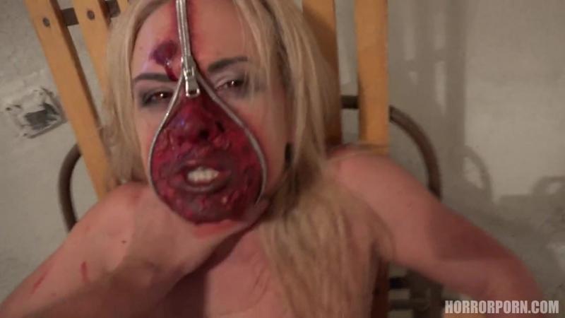 Demonic Beauty Демоническая красота жёстко трахает монструозную шлюшку порно минет анал