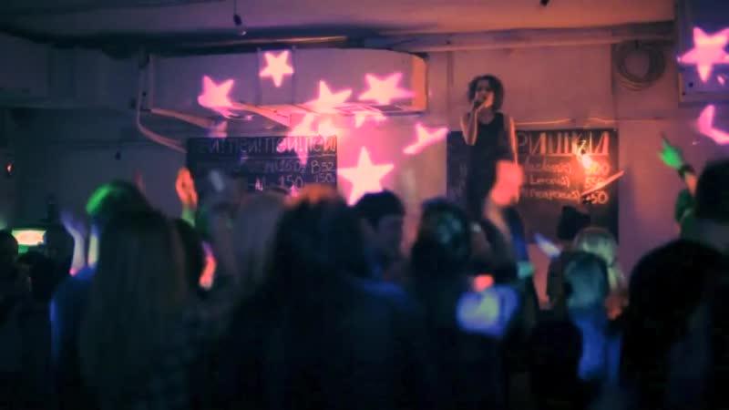DEEZDLUX Tori perfoming live -MIA.FM (17-03-2012)