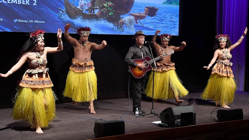 Opetaia Foa'i Sings We Know The Way At Moana UK Premiere