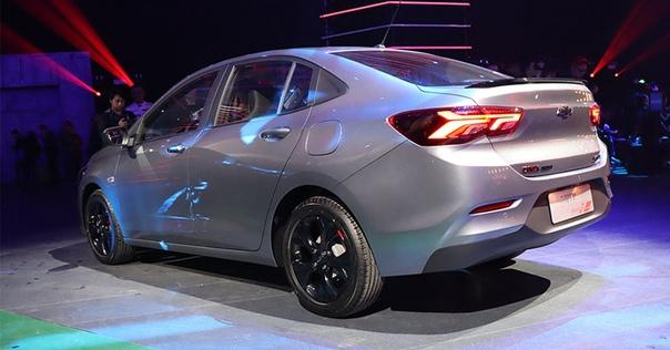 Седан Chevrolet Onix пришел на смену Кавалеру Фото: xcar.com.cn компания ChevroletВ глобальной гамме компании Chevrolet уже есть один Onix это компактный хэтчбек для Южной Америки, который