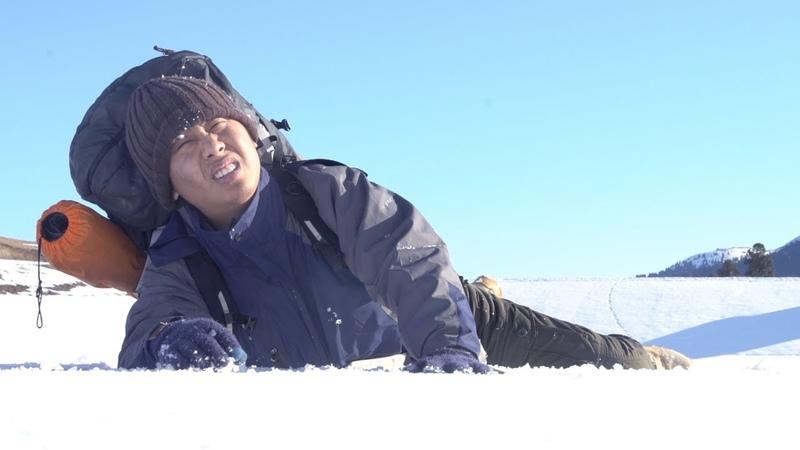 【野食小哥】之被困雪山,羊肉包子加香梨救了他的命