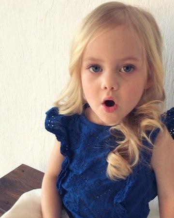 """Dima Violetta on Instagram """"Посоветуйте, пожалуйста, хорошую линию по уходу за детскими волосами или хорошие народные рецепты. Будем рады узнать..."""