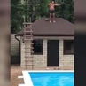 """Жесть Волгоград on Instagram """"Прыжок с крыши мимо бассейна в Сочи. ⠀ 29 сентября мужчина залез на крышу, чтобы прыгнуть с неё в"""