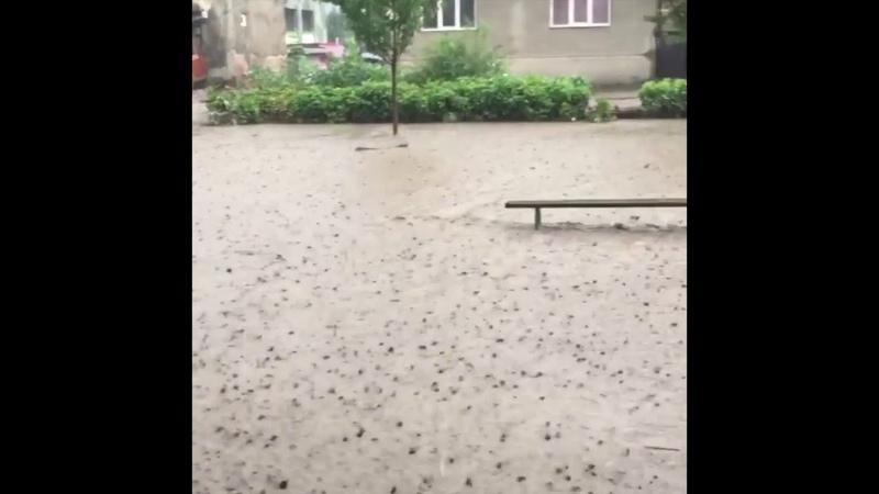 Злива у Рахові та потоп на вулицях міста