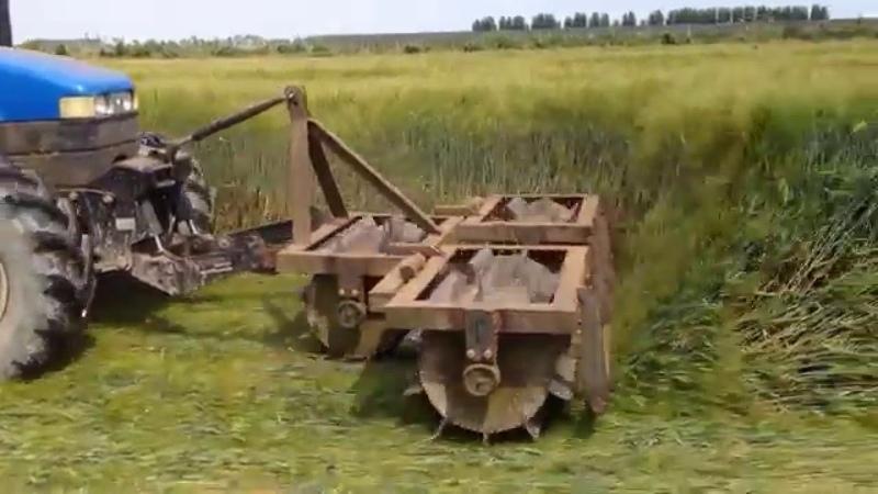 Semina soia sodo su orzo allettato Crimper roller