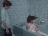 Сын помыл сиськи мамы (инцест матери и сына, трогает маму за грудь, лапает сиськи мамы)
