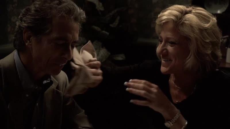 (S05E06_15) У Кармелы вовсю кипит роман, муж похвастался способностью определять пидоров