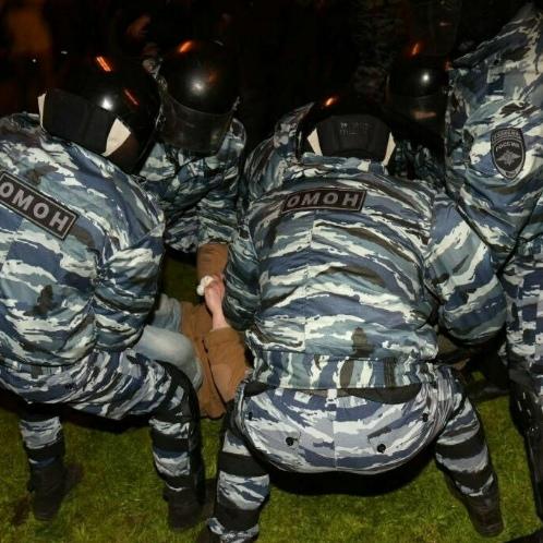 Правозащитники: за ночь в Екатеринбурге задержали в два раза больше людей, чем сообщили власти