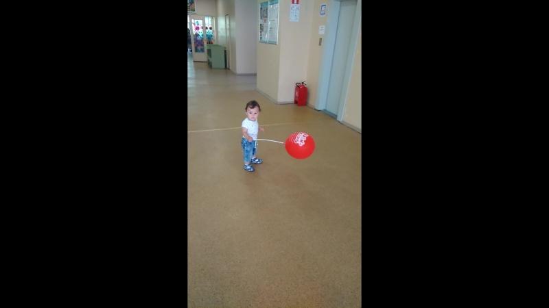 Деник и шарик 😂