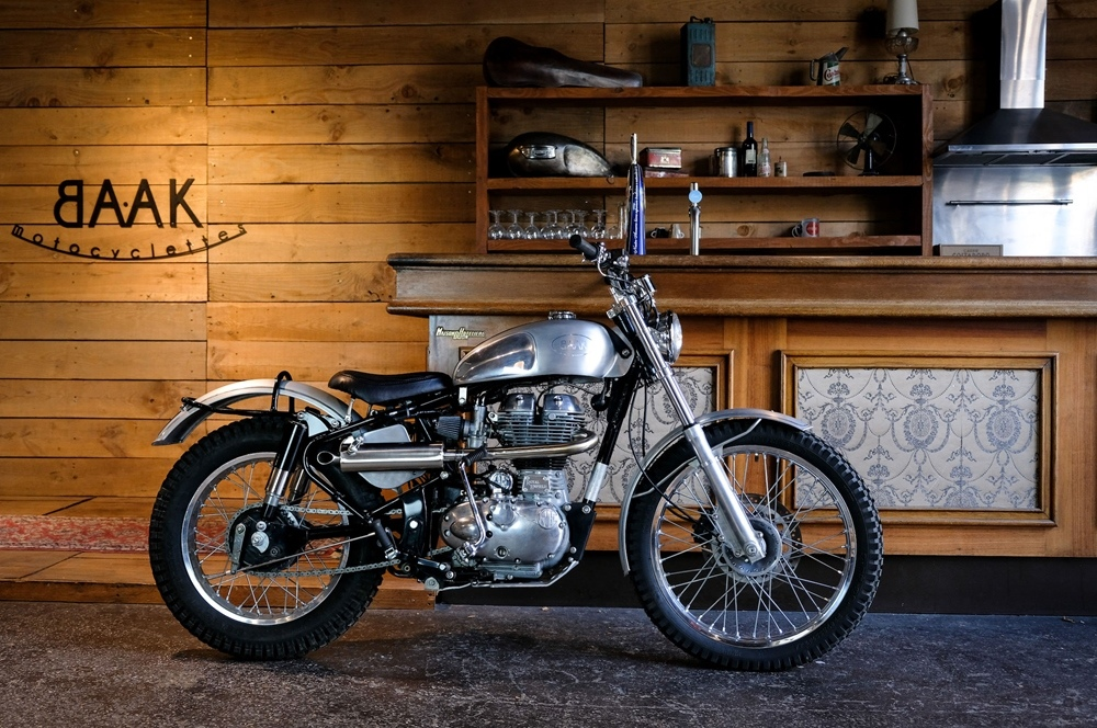 BAAK Motocyclettes: скрэмблер Royal Enfield Classic 500