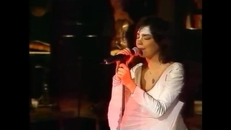 Björk - концерт в Национальном театре.Рекьявик.06.01.1999г
