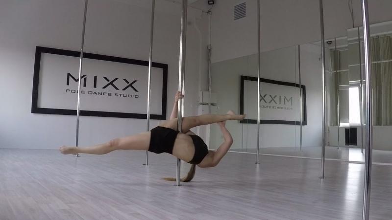 Видео танцевальная связка элементов на пилоне от тренера pole fitness Саши Макаровой