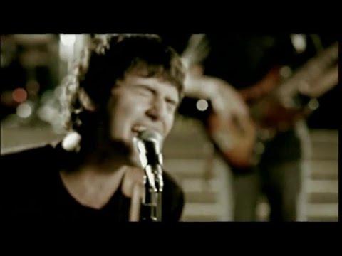 Gece - Aşık Mıyız (Official Video)