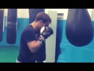 Мурат Гассиев работа на боксёрском мешке