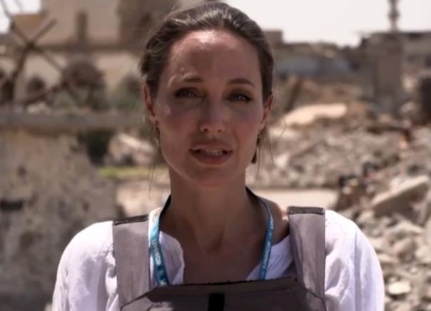 Анджелина Джоли 16 июня посетила иракский Мосул
